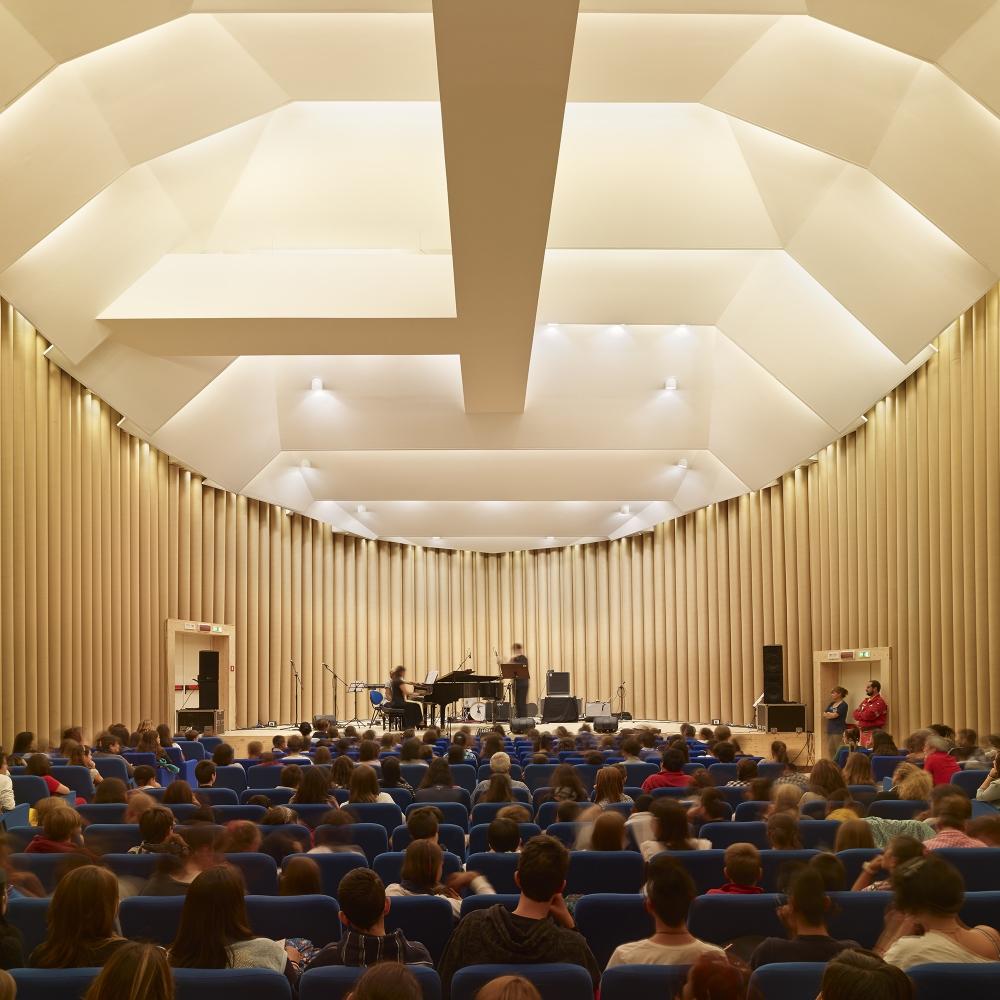 Sala de concertos em L'Aquila, Itália