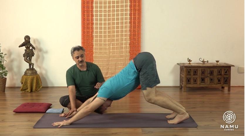 yoga ao acordar relaxante