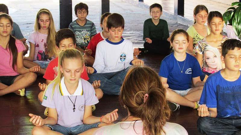 benefícios do mindfulness em escolas