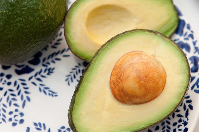 frutas da estação abacate