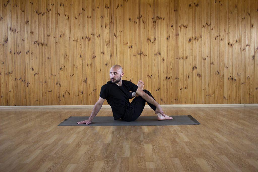 tipos de posturas de hatha yoga