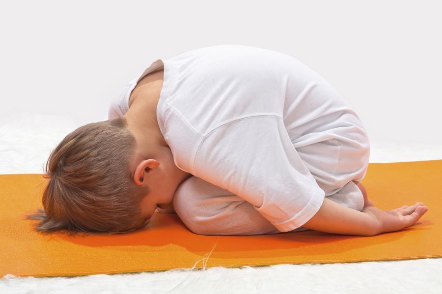 benefícios do yoga infantil