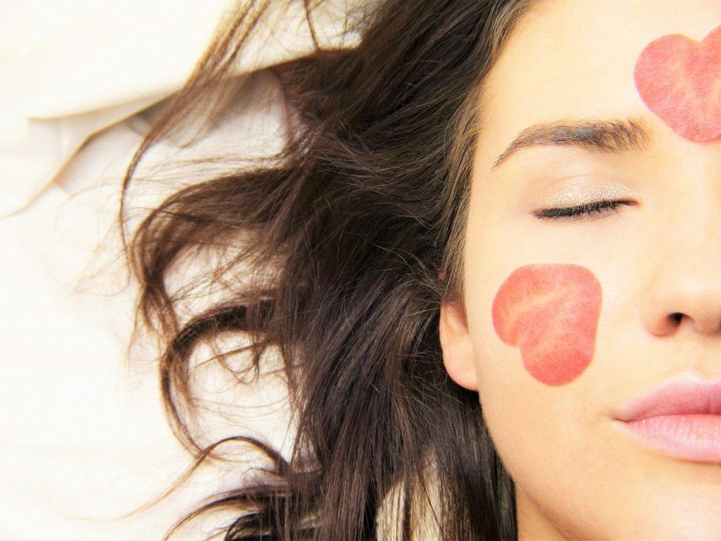 benefícios dos cosméticos naturais