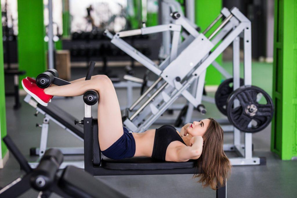 exercícios em casa e na academia